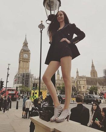 اطول امرأة فى العالم (1)