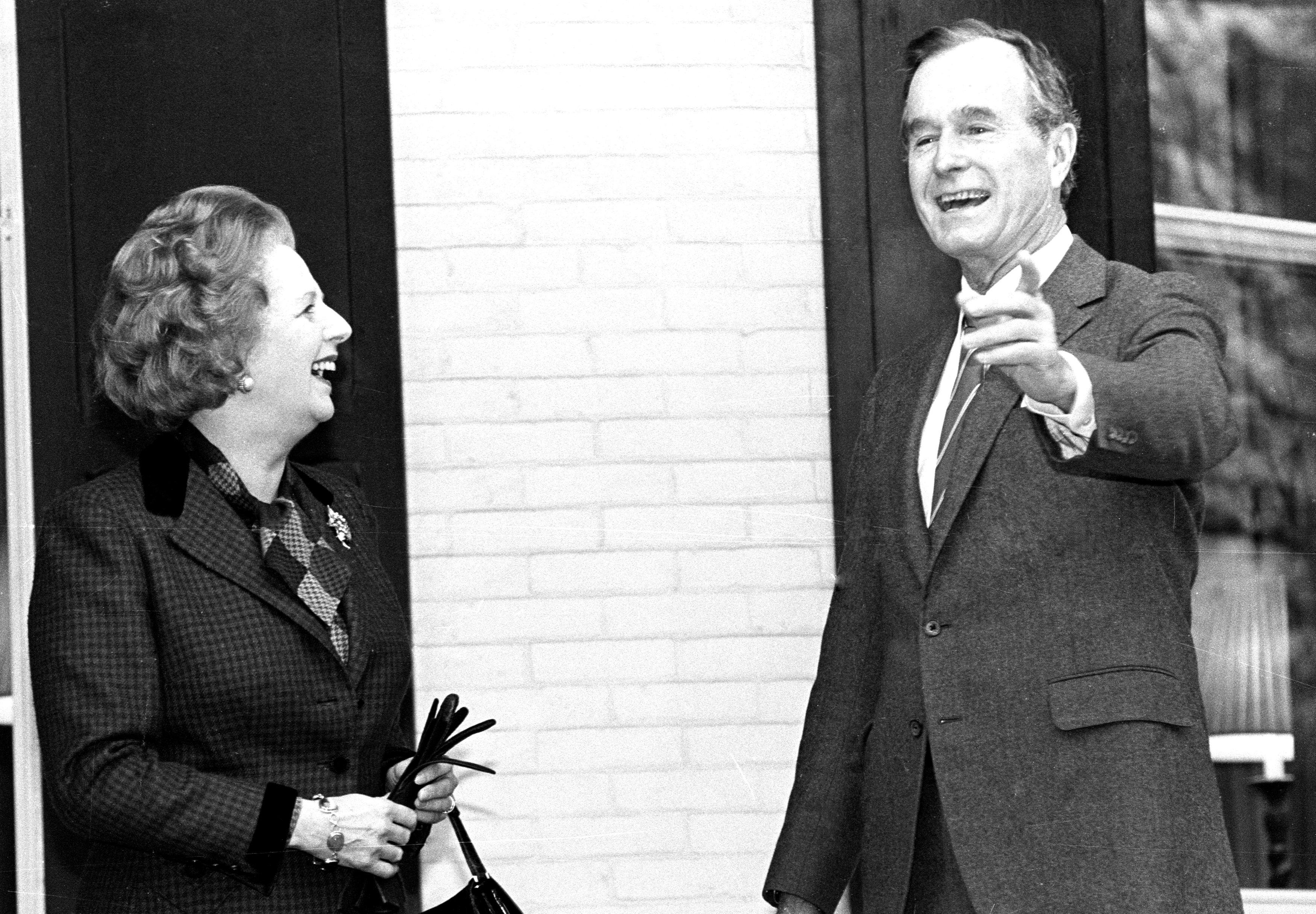 جورج بوش الأب  الرئيس الأمريكى الأسبق  (12)