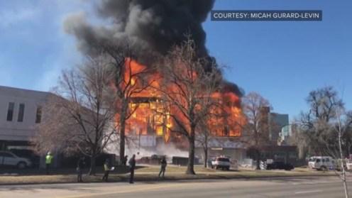 جانب من حريق ضخم فى أحد الأبنية وسط مدينة دنفر بالولايات المتحدة الأمريكية