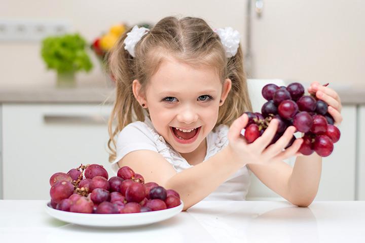 فوائد العنب عديدة