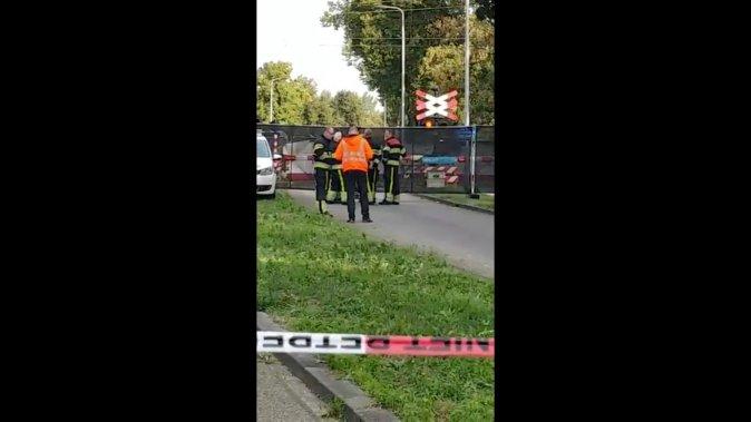 رجال الإنقاذ عند موقع الحادث فى هولندا