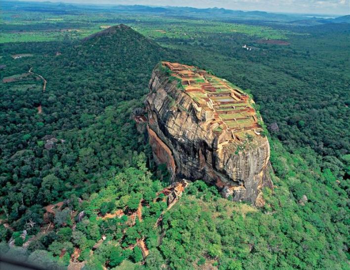 نتيجة بحث الصور عن قلعة صخرة سيجيريا