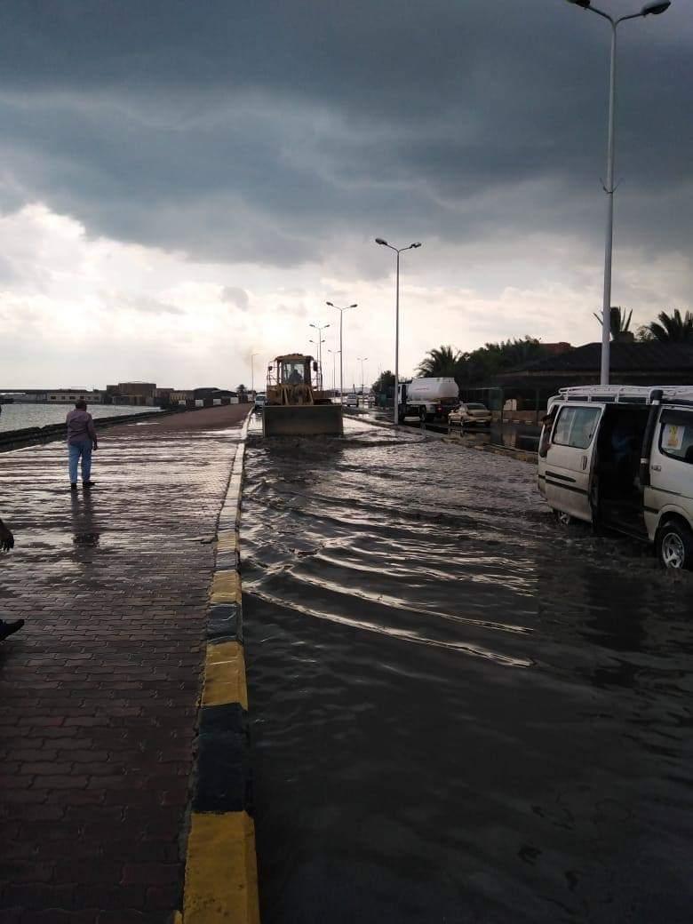 سقوط أمطار بالبحر الأحمر (1)