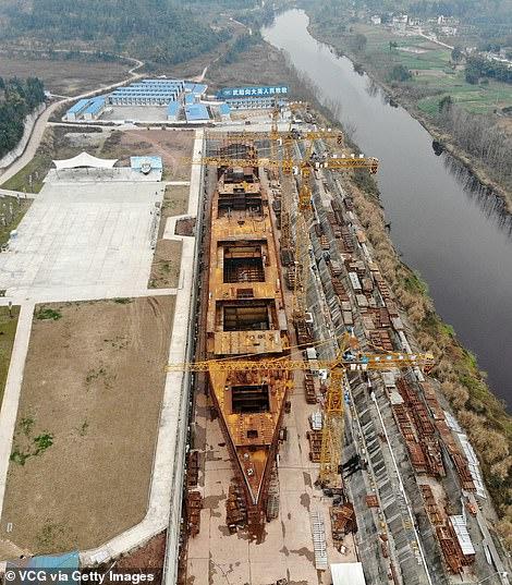 شركة صينية تبنى سفينة تيتانيك مرة آخرى (9)