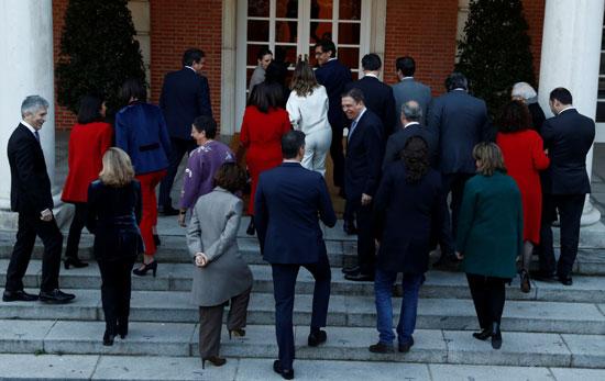الوزراء-فى-طريقهم-إلى-قاعة-الاجتماعات