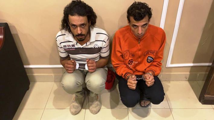 أول صور للمتهمين بقتل فتاة المعادى بعد سرقة حقيبتها - اليوم السابع