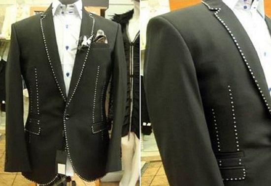 Men's suit at $ 723,000
