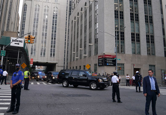 Trump's motorcade leaves the hospital