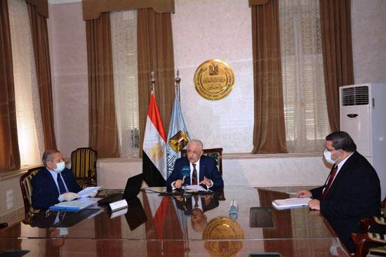 وزير التربية والتعليم يعتمد نتيجة الدبلومات الفنية 2020 (2)