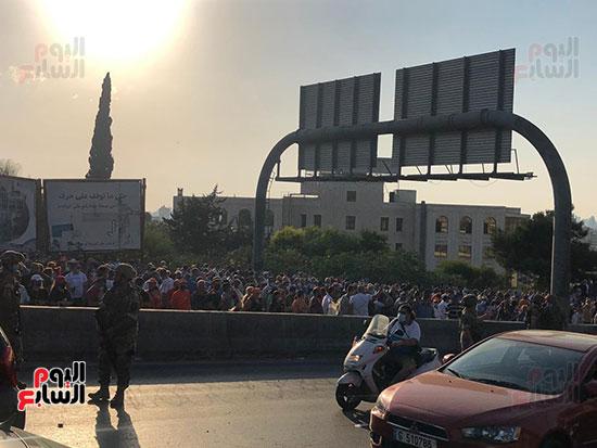 تظاهرات دعما للرئيس اللبنانى فى بيروت (6)