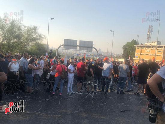 تظاهرات دعما للرئيس اللبنانى فى بيروت (3)