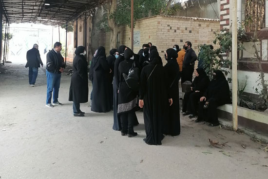The funeral of the sister of Mahmoud Yassin