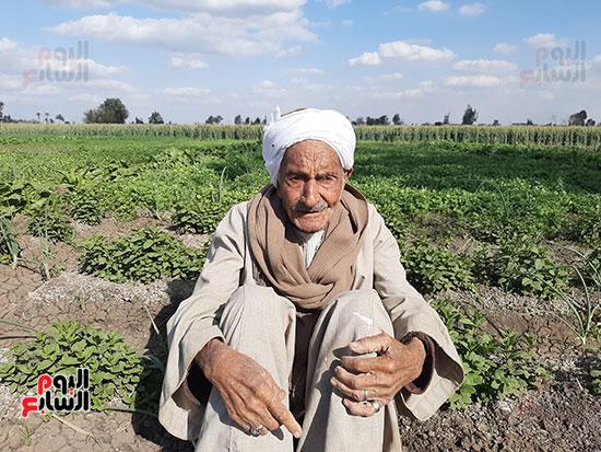 Elderly in village of helwat (4)