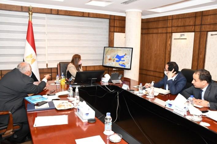 اجتماع وزيرة التخطيط مع محافظ الوادي الجديد