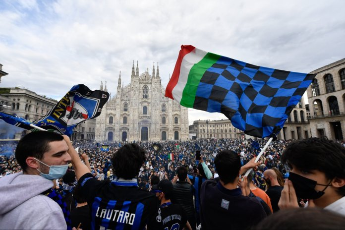 Celebrations of Inter Milan fans of the Italian League title (2)