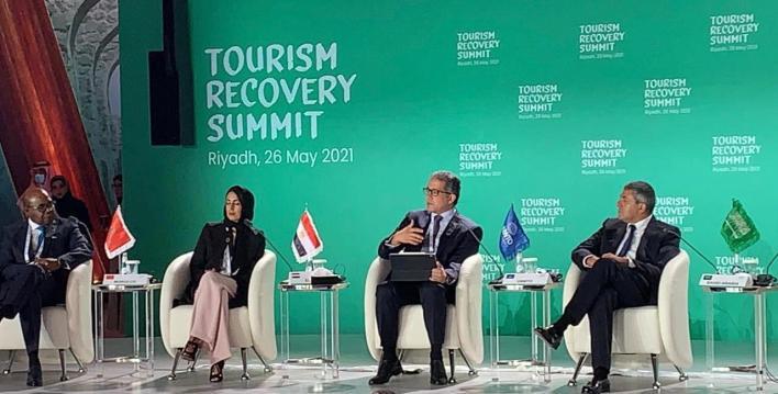 خالد العناني يتقم بمقترح لإنعاش السياحة