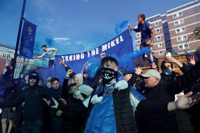 Chelsea fans (5)