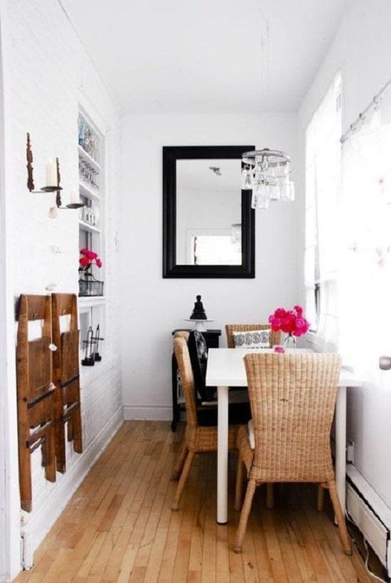 أحدث ديكور غرفة طعام ضيقة المساحة..وضع تربيزة بجانب الجدار