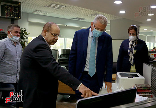 الرئيس التنفيذى لجى بى غبور أوتو فى زيارة لـاليوم السابع (23)