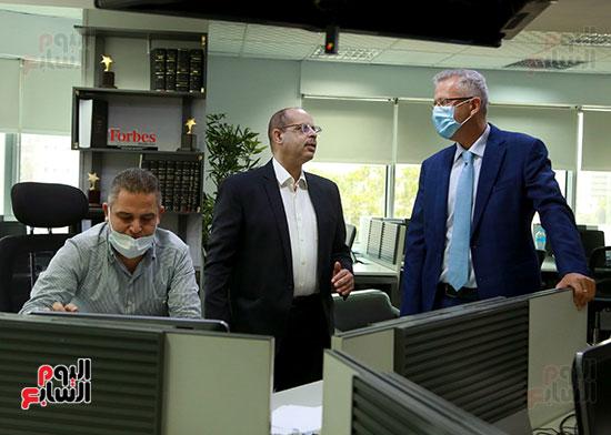 الرئيس التنفيذى لجى بى غبور أوتو فى زيارة لـاليوم السابع (21)