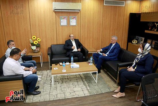 الرئيس التنفيذى لجى بى غبور أوتو فى زيارة لـاليوم السابع (9)