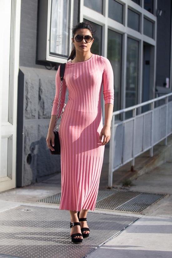 البسي الفساتين الضيقة على طريقة بريانكا تشوبرا  (4)