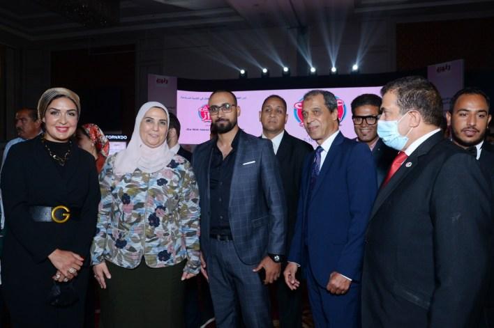 رنين تحتفل بنجاح مهرجان على وش جواز بحضور وزير التضامن (2)