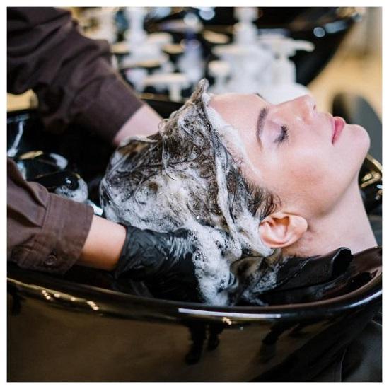 عادات شائعة تسبب تساقط الشعر (2)