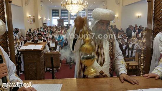 صلوات القداس الإلهى بكنيسة الشهيد أبو سيفين -اليوم السابع -5 -2015