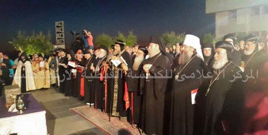 البابا تواضروس مع بابا الأرمن ببيروت فى صنع الميرون -اليوم السابع -7 -2015