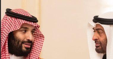 فيديو لولي عهد المملكة العربية السعودية يرافقه الشيخ محمد بن زايد في مطعم بالرياض