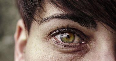 غامضة وذكية مع إبداع صغير .. 6 سمات شخصية تميز العيون الخضراء