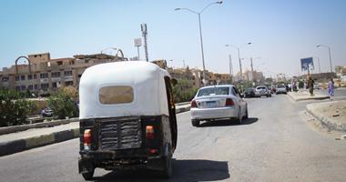 بالصور التوك توك يتحدى محافظ الجيزة ويسير بحرية بشوارع 6