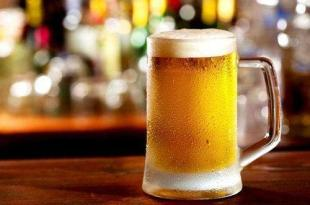 日飲一杯啤酒跟紅酒的結果截然不同?喝酒還要慎選酒!-台灣養生網