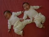 雙胞胎一定要每樣東西都要雙份嗎?