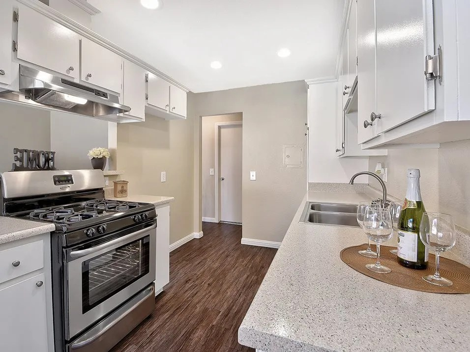 el patio apartments for rent 321 e