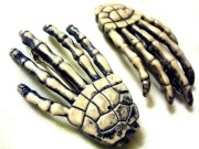 barrettes skeleton hand hair clips