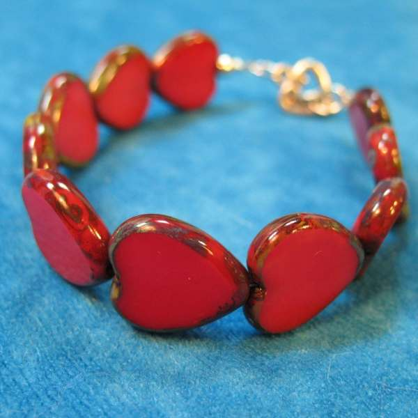 Bracelet Red Glass Heart Beads And Clasp