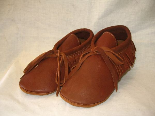 Leather Indian Style Moccasins With Fringe In Rust Deerskin