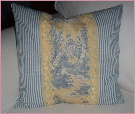 YELLOW AND BLUE TOILE PILLOW COVER