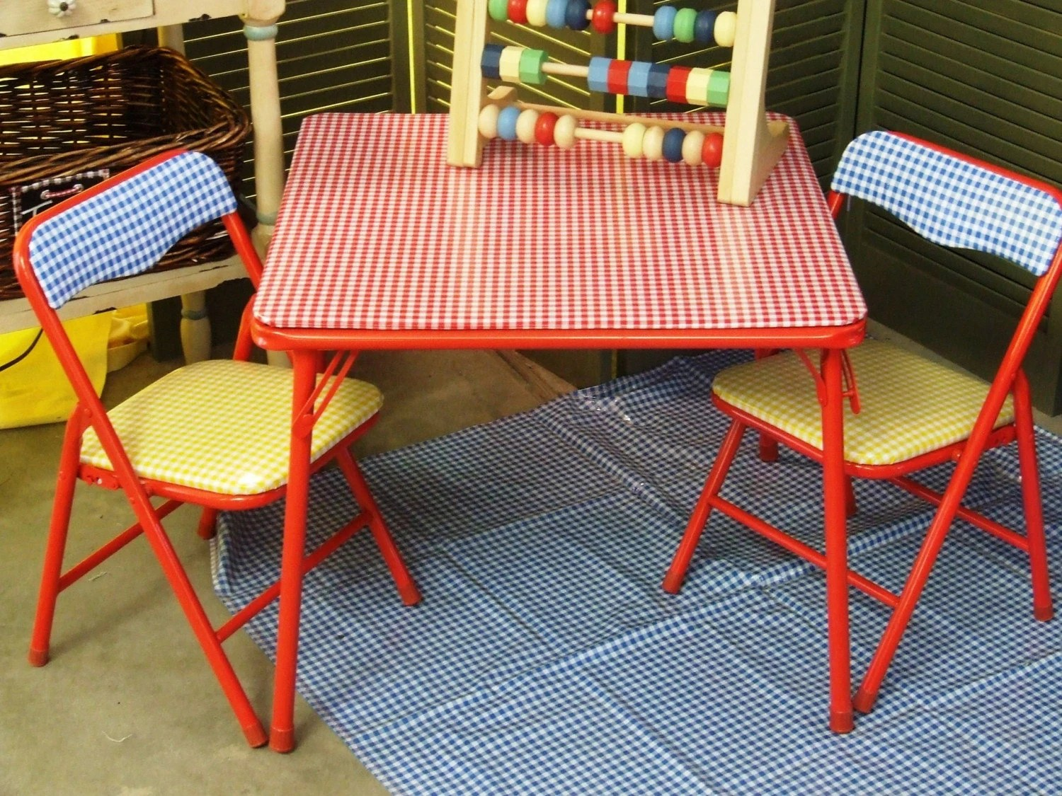CLEARANCE Chalkydoodles Childrens TABLE and CHAIR Set Table