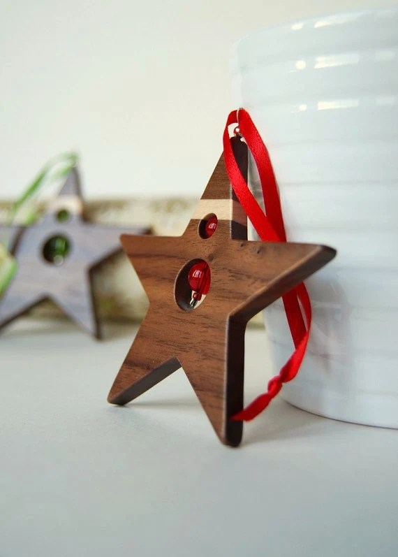 Holiday star - Thin maple stripe wood christmas ornament