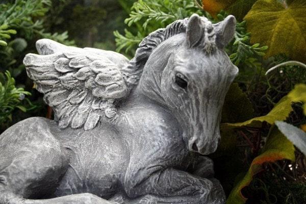 angel horse memorial concrete garden