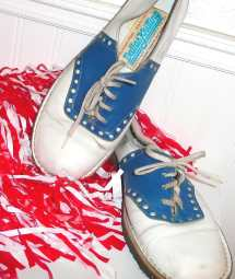 Vintage Cheerleader Shoes Size 7 Crybabe