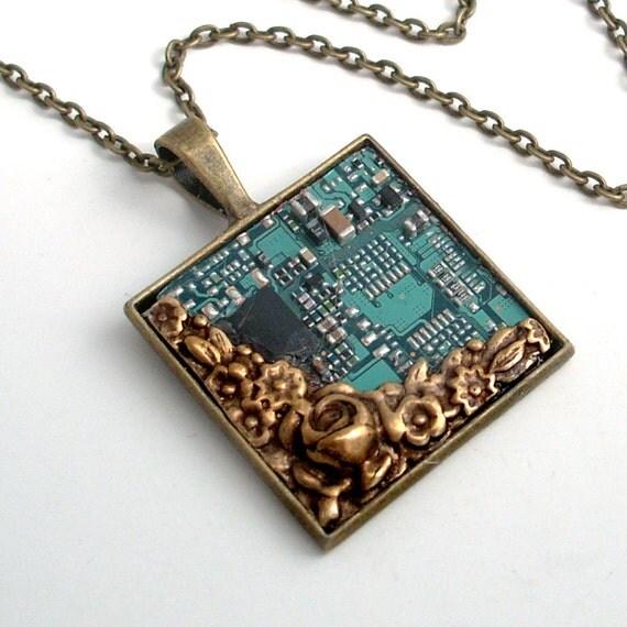 Unisex Circuit Board Necklace Industrial Techno Geek Steampunk Hand