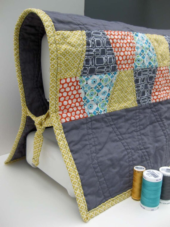 Modern Sewing Machine Cover Quilted Tumblers Gray and