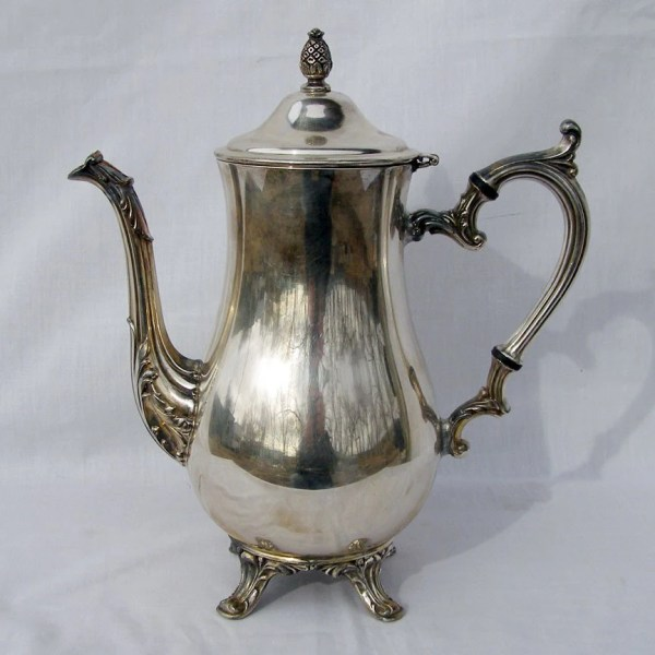 Vintage Wm Rogers Silver Teapot Machomachismo