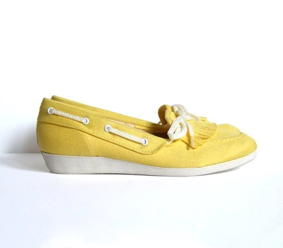 Vintage size 5.5 Canvas Shoes Yellow Slip On Sneakers Spring Fashion Flats Summer Fashion - MidnightFlight
