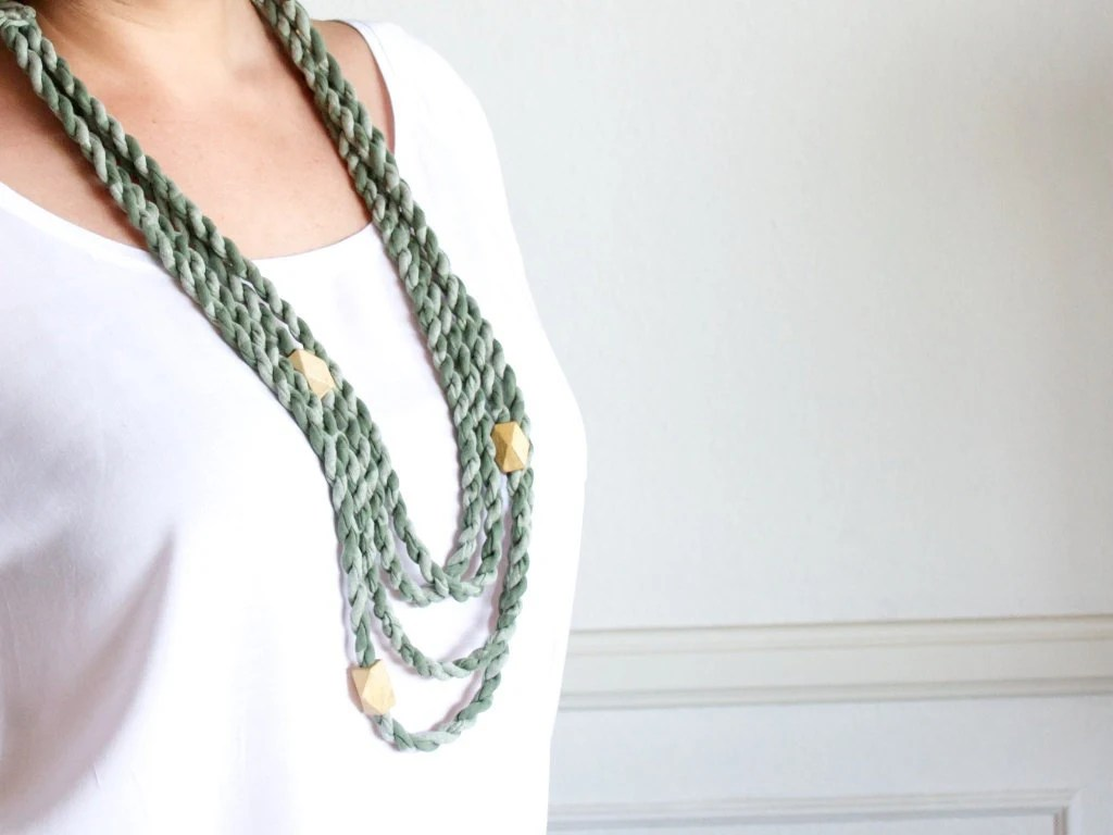 Pastel layered necklace - green fabric braided - SolDelSur