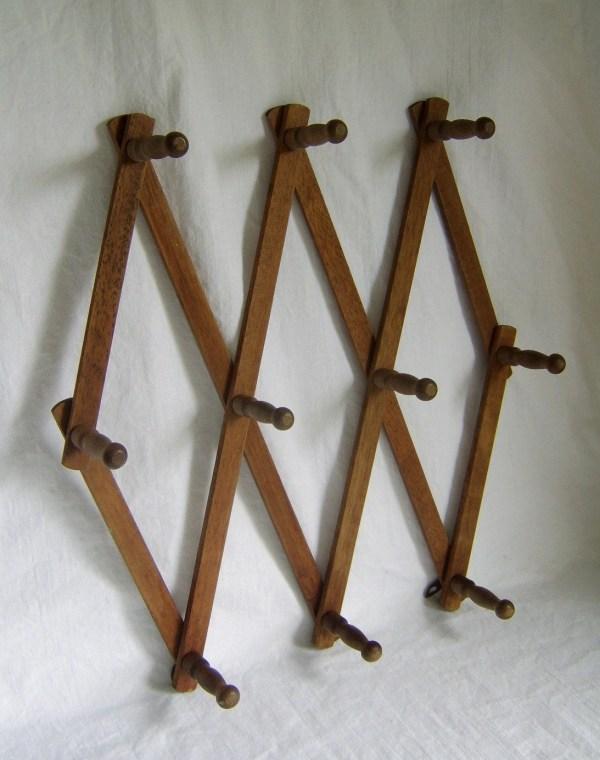 Vintage Accordian Wooden Peg Hat Rack